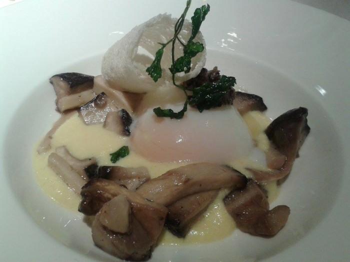 Umami, uovo e funghi