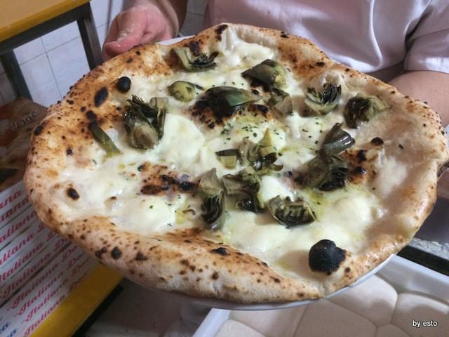 Vincenzo Di Fiore Pizzeria Bella Napoli Inauguration Pizza Assoluto di carciofo