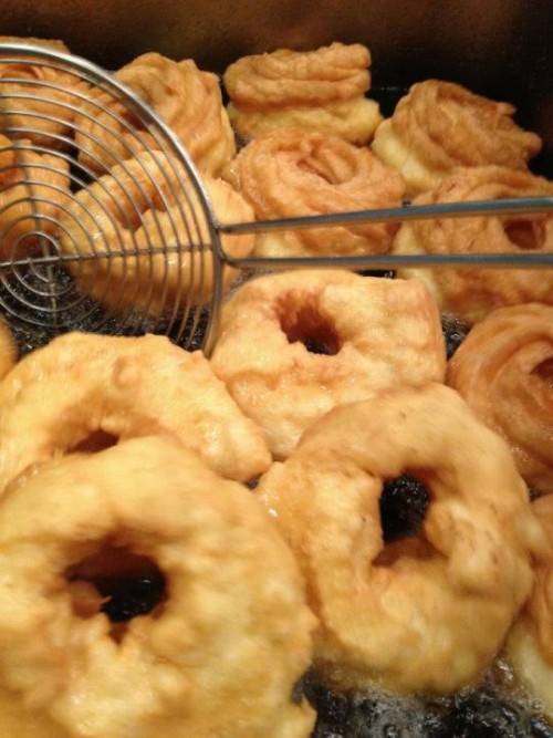 le zeppole di San Giuseppe fritte di Luciano Russo, frittura