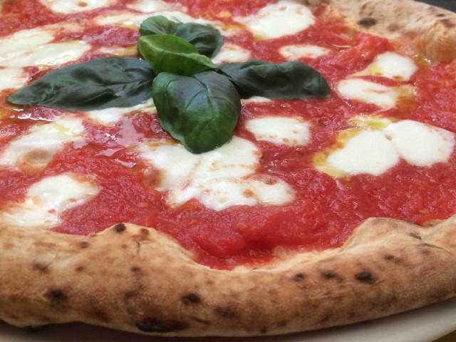 Pizzeria Resilienza, la pizza con le Eccellenze di Salerno