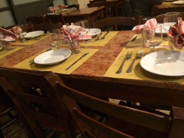 Osteria dell'Angelo, uno dei tavoli
