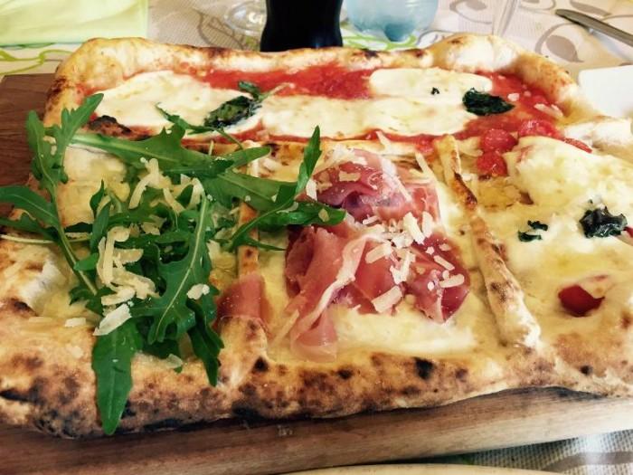 Add'ò Guaglione, la pizza Cannavaro