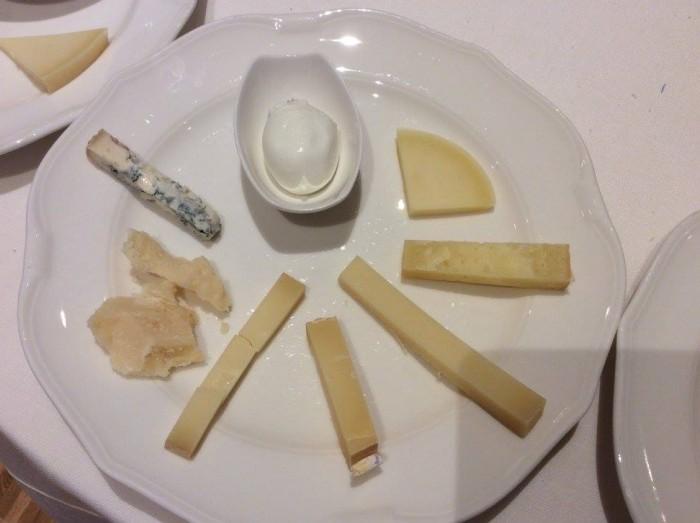 Alcuni dei formaggi DOP degustati a Le Strade della Mozzarella