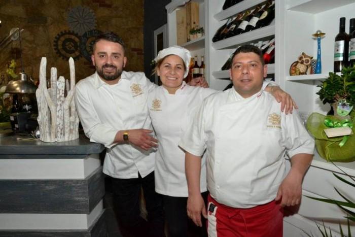Appia Antica pizza e fornelli. Da sx versp dx Antonio Mastropietro, Emilia D'Albenzio, Antonio Di Crescenzo