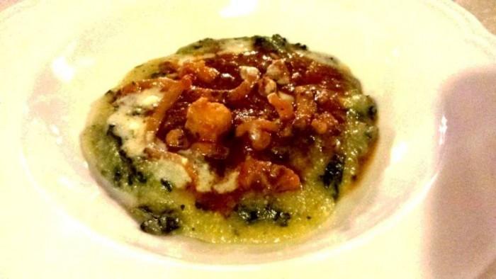 Bago, polenta di cavolo nero, guazzetto di moscardini, salsa di parmigiano