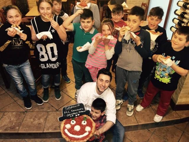Ciro Oliva e i bambini della Sanità