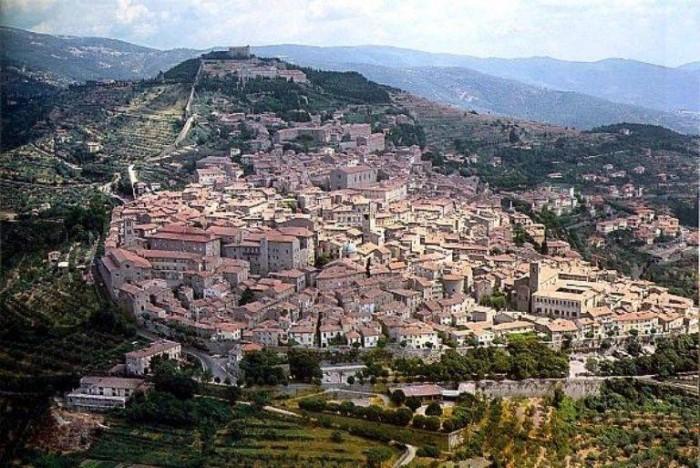 Cortona, vista aerea