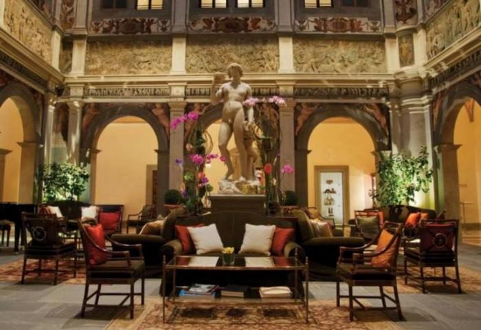 La lobby del Four Seasons di Firenze