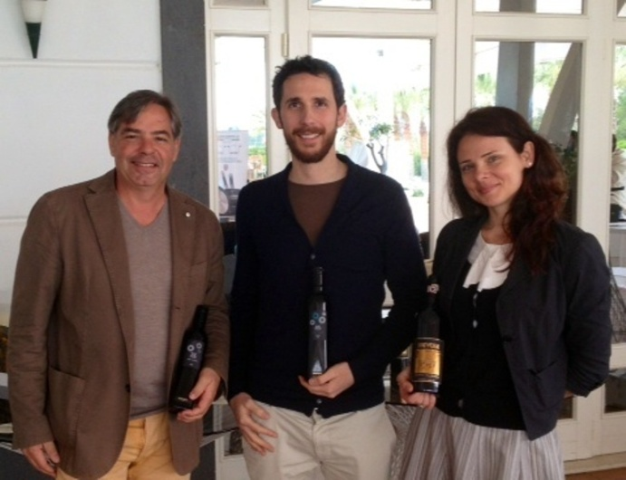 L'oleologo Marco Scanu e il team commerciale