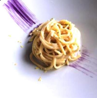Osteria dei Cappuccini, spaghetto con aglio, olio, peperoncino, parmigiano, zenzero e limone