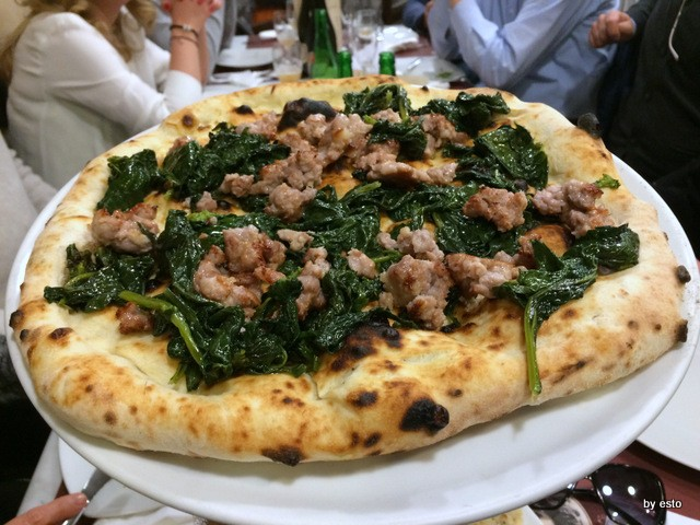 Pizzeria Carmnella. Vincenzo Esposito Friarielli e salsiccia