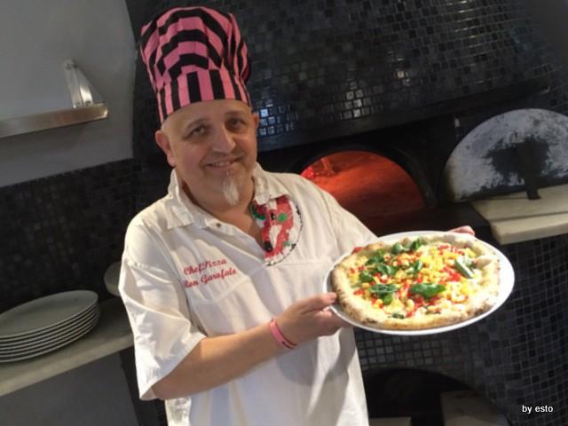 Ron Garofalo  Pizzeria Mistral   Pizza Sicilia mozzarella, dadolata di datterino di Scili e dadolata di scalone di Cinisara