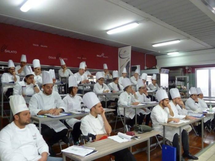 Scuola di Cucina Dolce e Salato, i cuochi in aula
