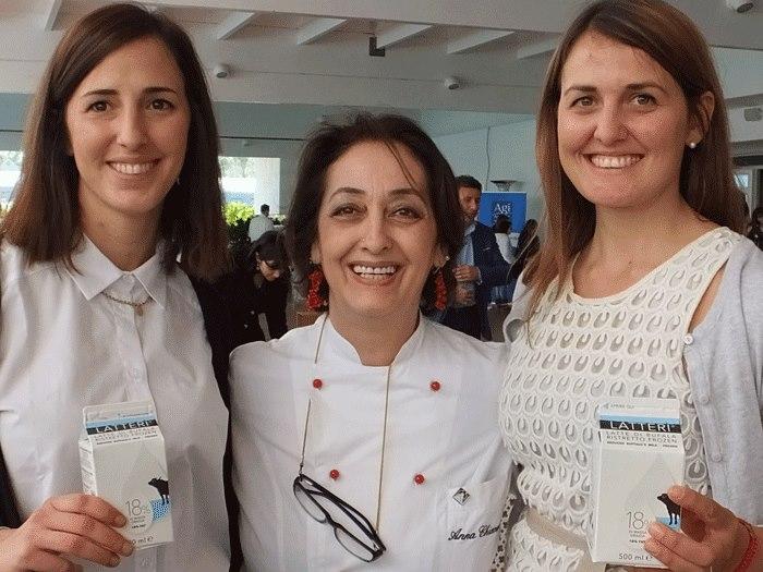Silvia Mandara, Anna Chiavazzo-e Alberta Mandara con Latterì