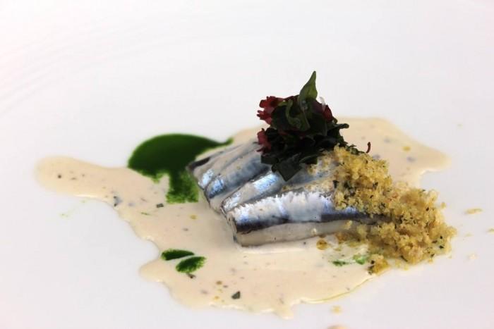 Torre del Saracino, Alici in tortiera, con briciole di pane, salsa di capperi e alghe