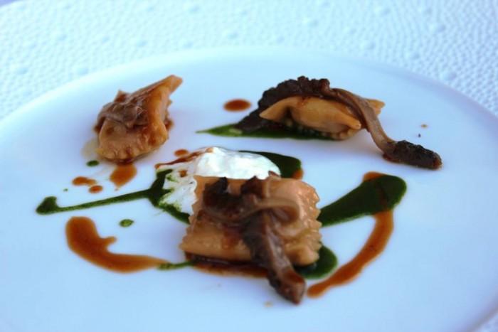 Torre del Saracino, Ravioli ripieni di pollo alla cacciatora con spugnole e salsa di cavolo nero