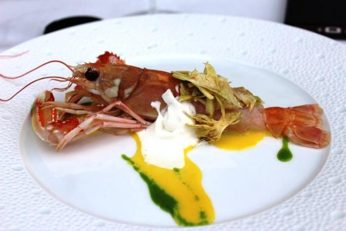 Torre del Saracino, Scampi su salsa all'arancia, insaltina di carciofi e kefir di bufala