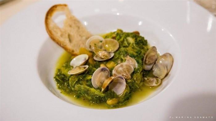 Zuppetta di Cicerchia flegrea con zucca lunga napoletana, torzelle, lupini e vongole