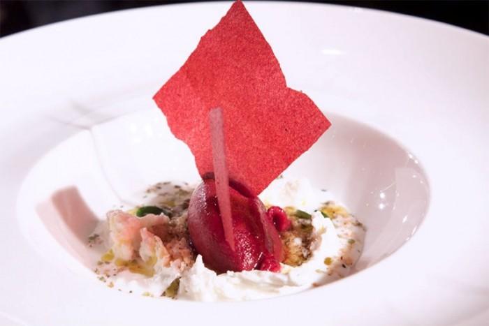 il sorbetto alla rapa rossa e mozzarella di Cristian Torsiello