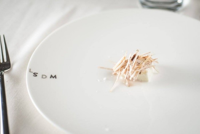 mozzarella topinambour e funghi di Christian Puglisi