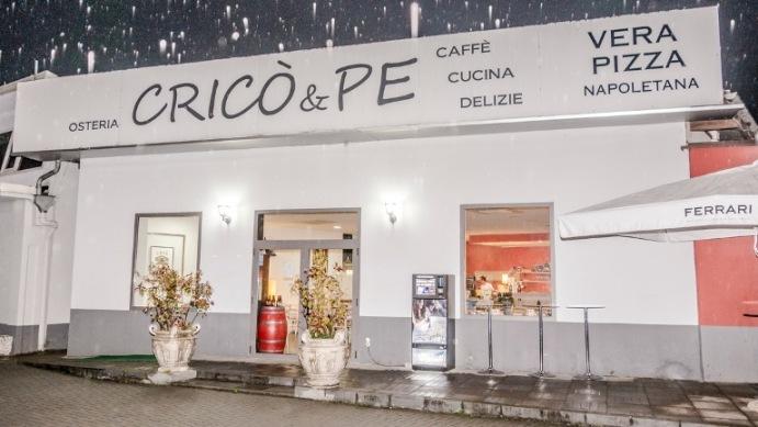 Cricò & Pe, Esterno