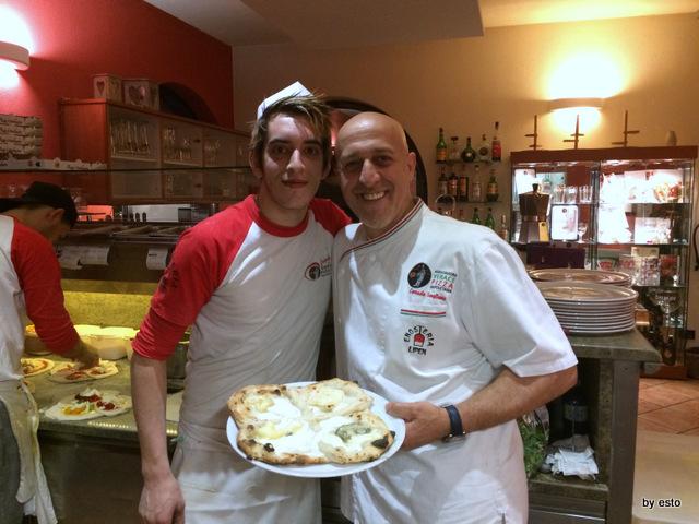 Enosteria Lipen. Luca Maggioni e Corrado Scaglione la pizza quater stracc ai quattro formaggi
