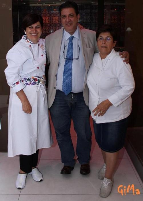 Luciano Pignataro tra Giovanna Voria e Maria Rina