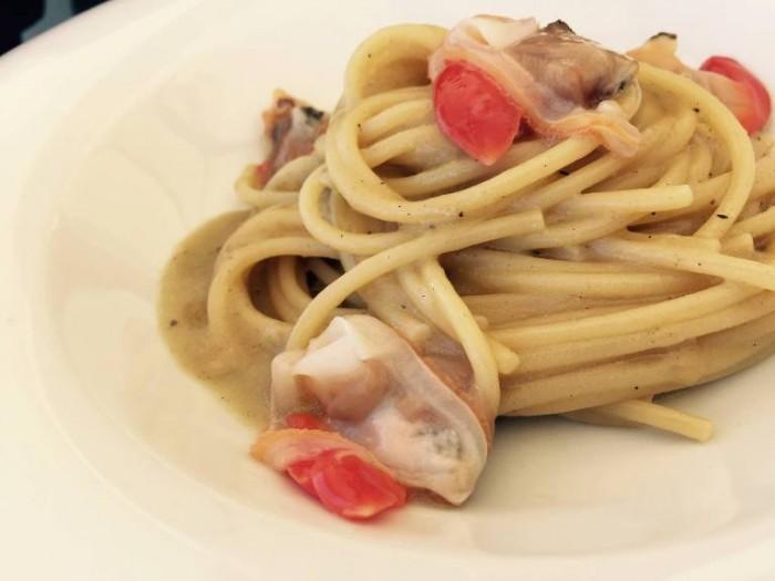 Novezerodue, spaghetto alle vongole fasolare