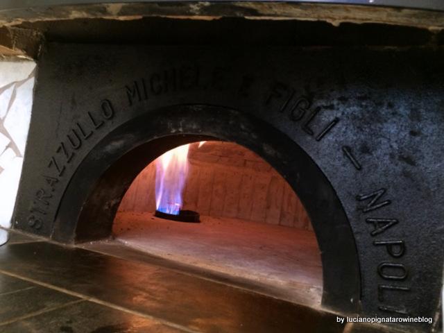Pizza a portafoglio da Gennaro Salvo il forno a gas