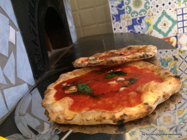 Pizza a portafoglio da Gennaro Salvo la marinara