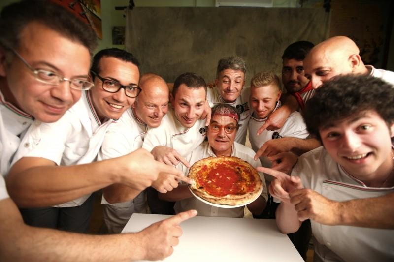 I pizaioli napoletani ocn Oliviero Toscani