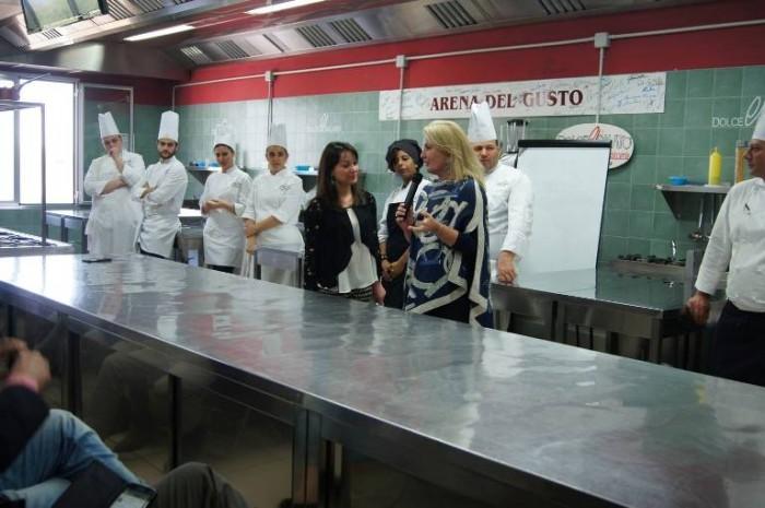 Scuola Dolce e Salato, l'intervento della  prof.ssa Anna Maria Colao moderato da Antonella D'Avanzo