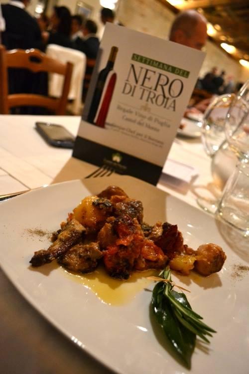 Tegame di Agnello al forno con funghi cardoncelli patate e lampascioni di Riccardo Barbera