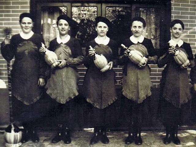 Pizzeria Negri, le cameriere degli anni Venti