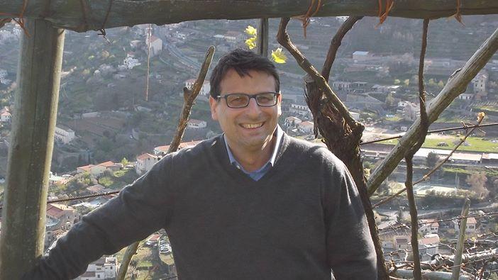 Bartolo Sammarco tra le sue vigne
