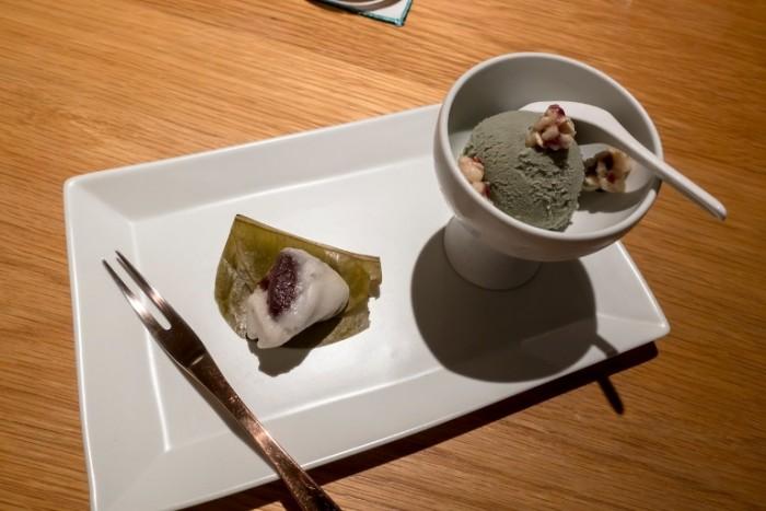 Bicena, Gelato al tè verde e dolce al fagiolo rosso