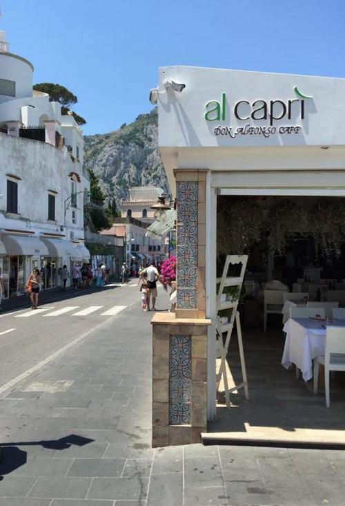 Al Caprì Don Alfonso Cafè, l'esterno