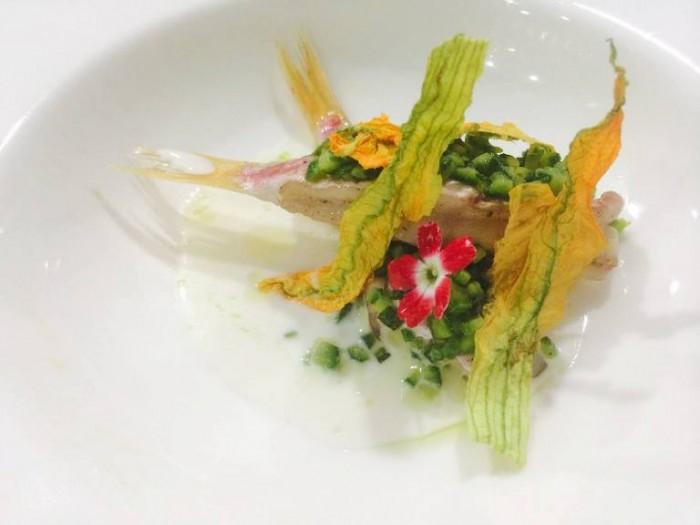 La Galleria, triglia con zucchine, fiori e acqua di provola