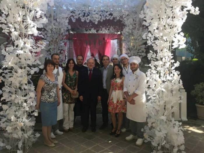 La delegazione con l'ambasciatore italiano a Tashkent Riccardo Manara