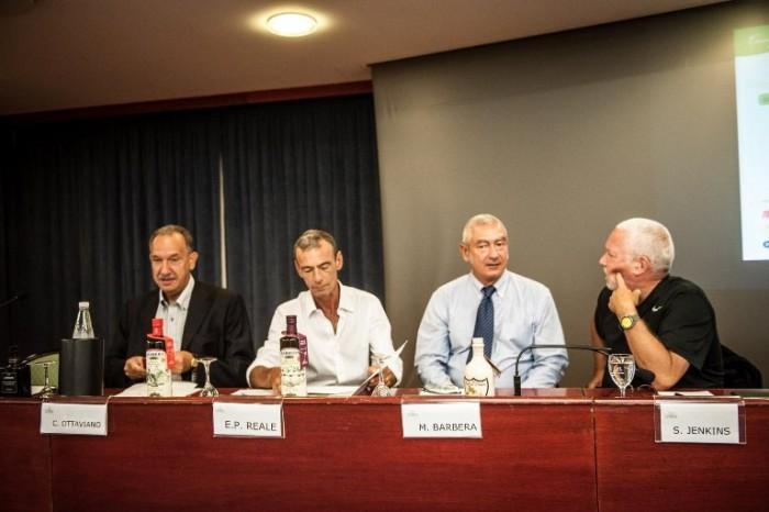 L'isola del Tesolio, un momento del convegno dello scorso anno durante l'intervento dei relatori