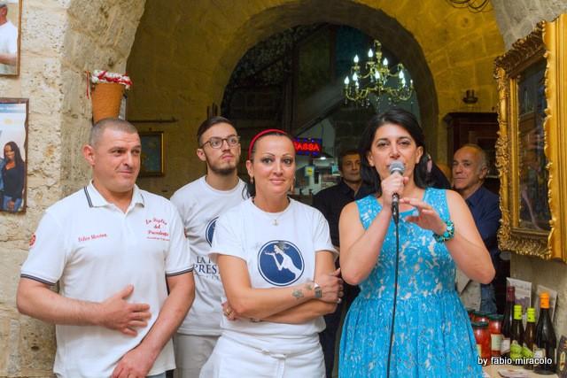 Maria Cacialli Pizzeria La figlia del Presidente il nuovo look. Con Marina Alaimo
