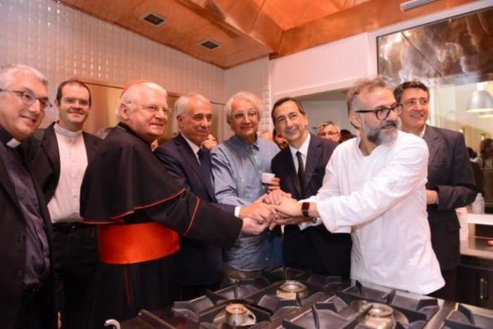 Massimo Bottura apre il Refettorio Ambrosiano di Laura Guerra