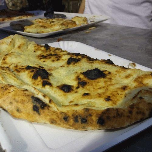 O' munaciello  Vincenzo Esposito, Pizzeria Carmenella
