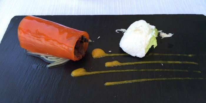 Al Caprì Don Alfonso Cafè, il piatto vegetariano Cannellone di peperoni, melanzane a funghetto, cetrioli e morbidezza di rafano