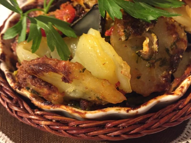 La tiella barese: riso, patate e cozze