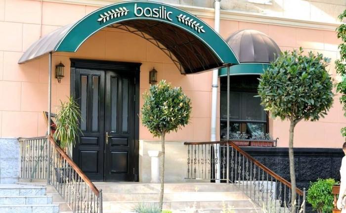 Tashkent, Basilic Mediterranean Restaurant & Lounge