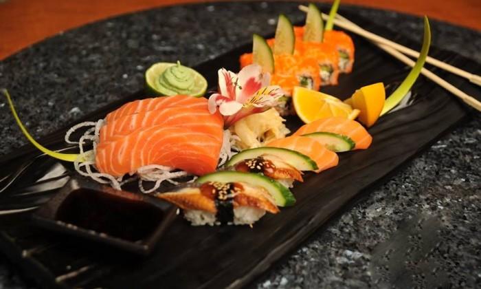 Tashkent, Basilic Mediterranean Restaurant & Lounge, sushi  e sashimi