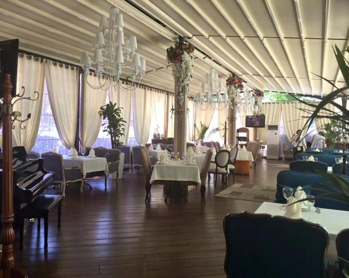 Tashkent, Basilic Mediterranean Restaurant & Lounge, una  delle sale