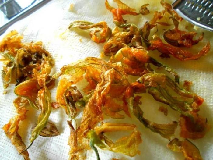 fiori di zucca disidratati e fritti