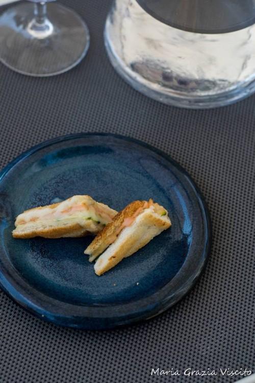 Anikò, toast con zuicchine salmone provola